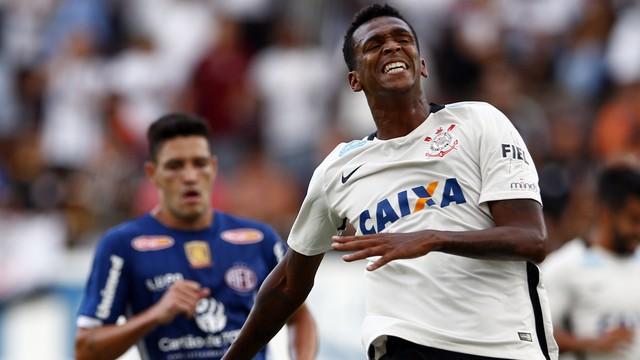 """Mais uma """"chuva de gols perdidos"""" do Corinthians"""