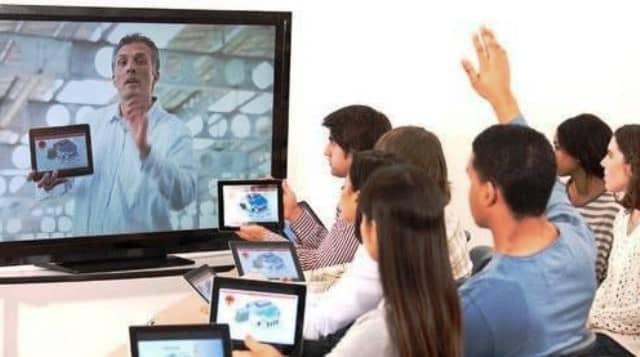Buku Digital dan Kelas Virtual