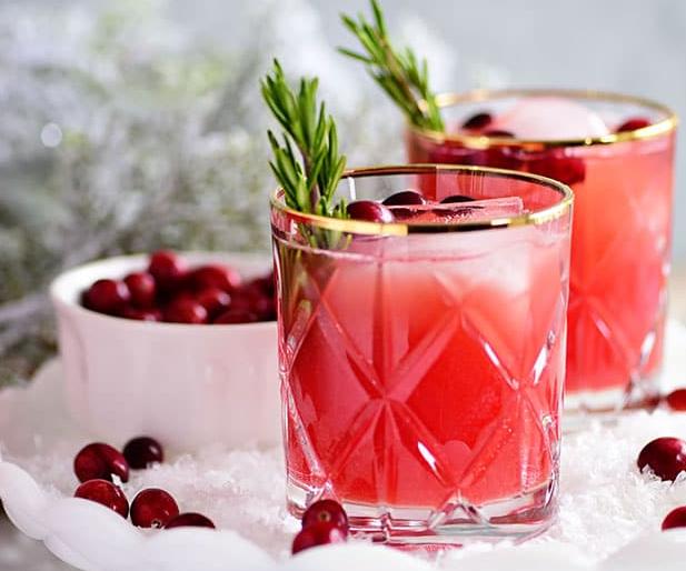 RUDOLPH'S TIPSY SPRITZER #drink #milk #latte #sangria #cocktail