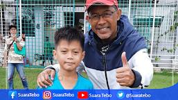 Aji Santoso Mantan Pelatih Timnas, Tertarik Melatih Bocah 9 Tahun Asal Tebo