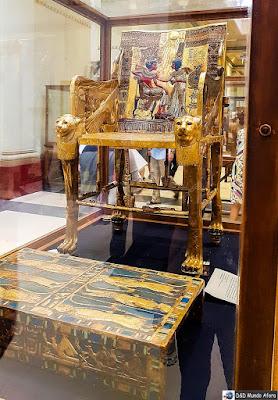 Trono de ouro de Tutankhamon  - Museu do Cairo