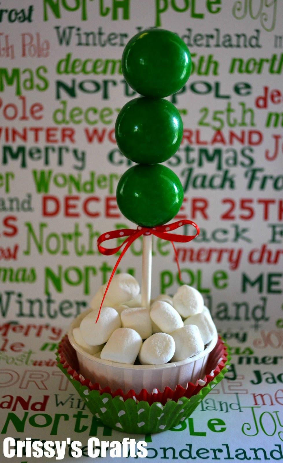 DIY Christmas Gumball Tree Treats - via BirdsParty.com