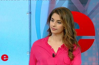 Benedetta Rinaldi oggi Elisir 8 dicembre camicia rossa