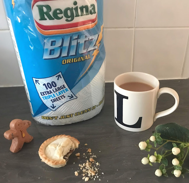 Cup of tea and pack of Regina Blitz kitchen towels