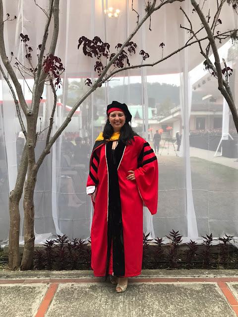 María Fernanda Loayza, la primera mujer en obtener su título de Ph.D. en Microbiología en la USFQ