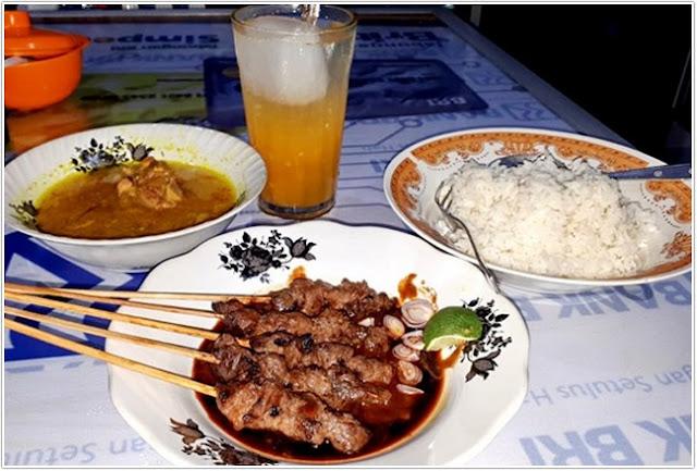 Sate 35 Bluto;10 Tempat Kuliner Populer di Madura