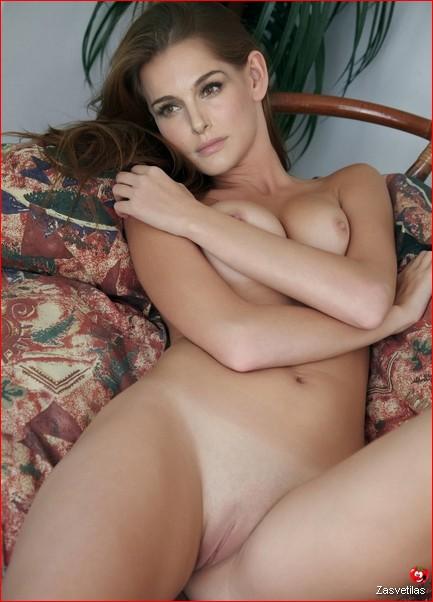 Натали Портман голая киска