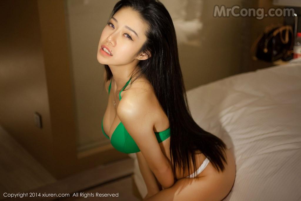Image MrCong.com-XIUREN-No.184-Luvian-Ben-Neng-004 in post XIUREN No.184: Người mẫu Luvian (本能) (51 ảnh)