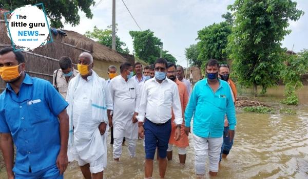 मंत्री ने किया बाढ़ प्रभावित क्षेत्रों का दौरा