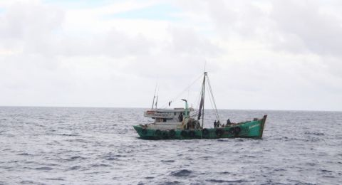 TNI AL Tangkap 2 Kapal Berbendera Vietnam di Laut Natuna Utara