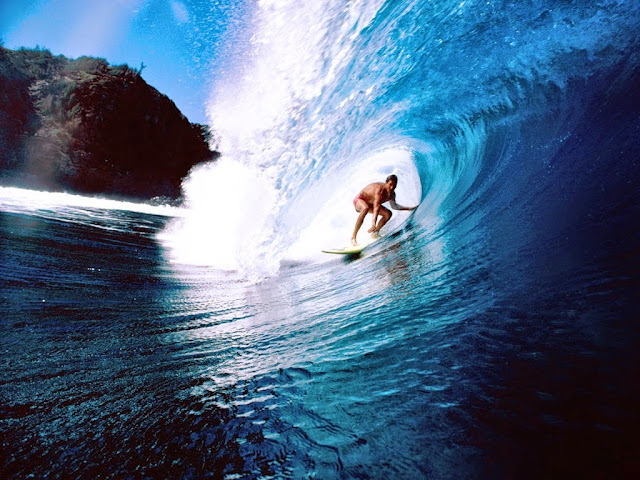 extreme surfing in nias island