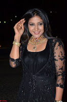 Sakshi Agarwal looks stunning in all black gown at 64th Jio Filmfare Awards South ~  Exclusive 046.JPG
