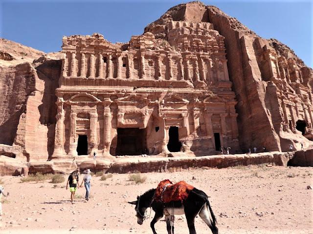 tomba palazzo petra