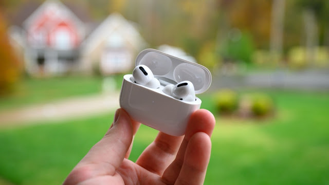 Apple AirPods Pro قضية الشحن مفتوحة