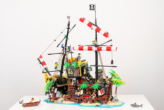 PirateBay31_21322-LEGO-Ideas-Barracuda.j