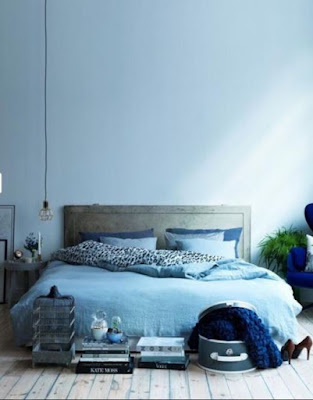 Nice monochromatic bedroom decor