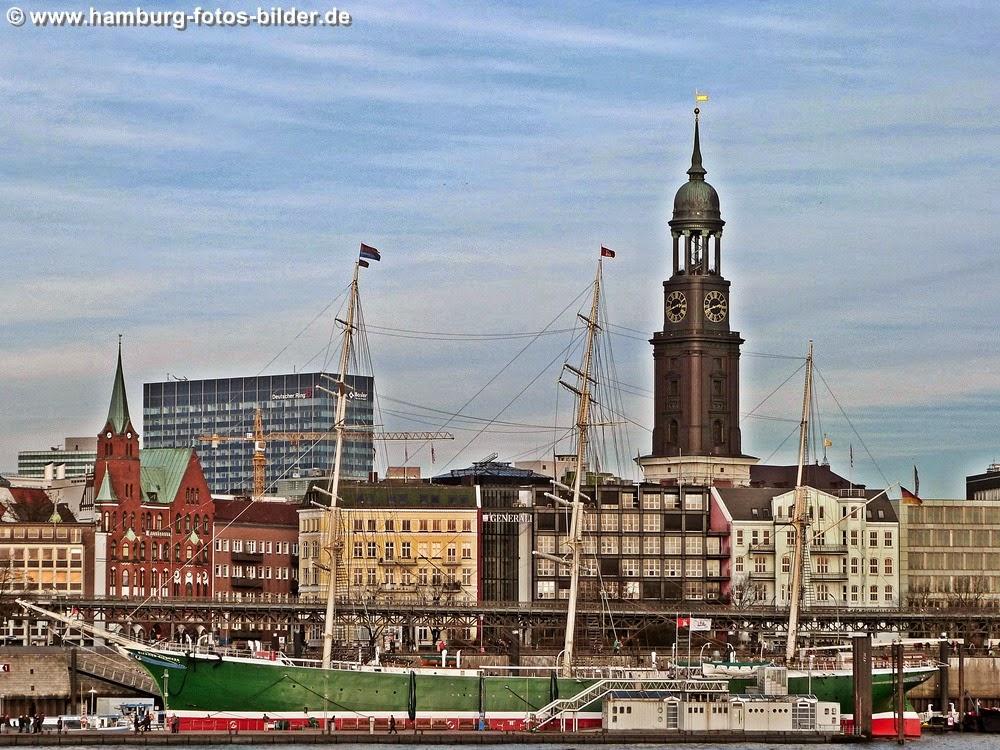 Hafen Hamburg, Skyline mit Michel und Rickmer Rickmers