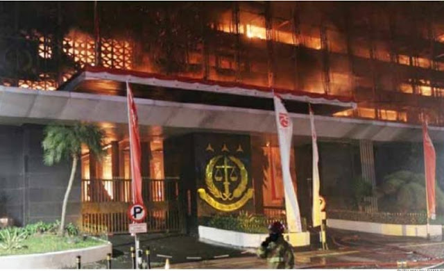 MAKI: Penegakan Hukum Jalan Terus, Dokumen Perkara Tidak Berada di Gedung Kejagung yang Terbakar
