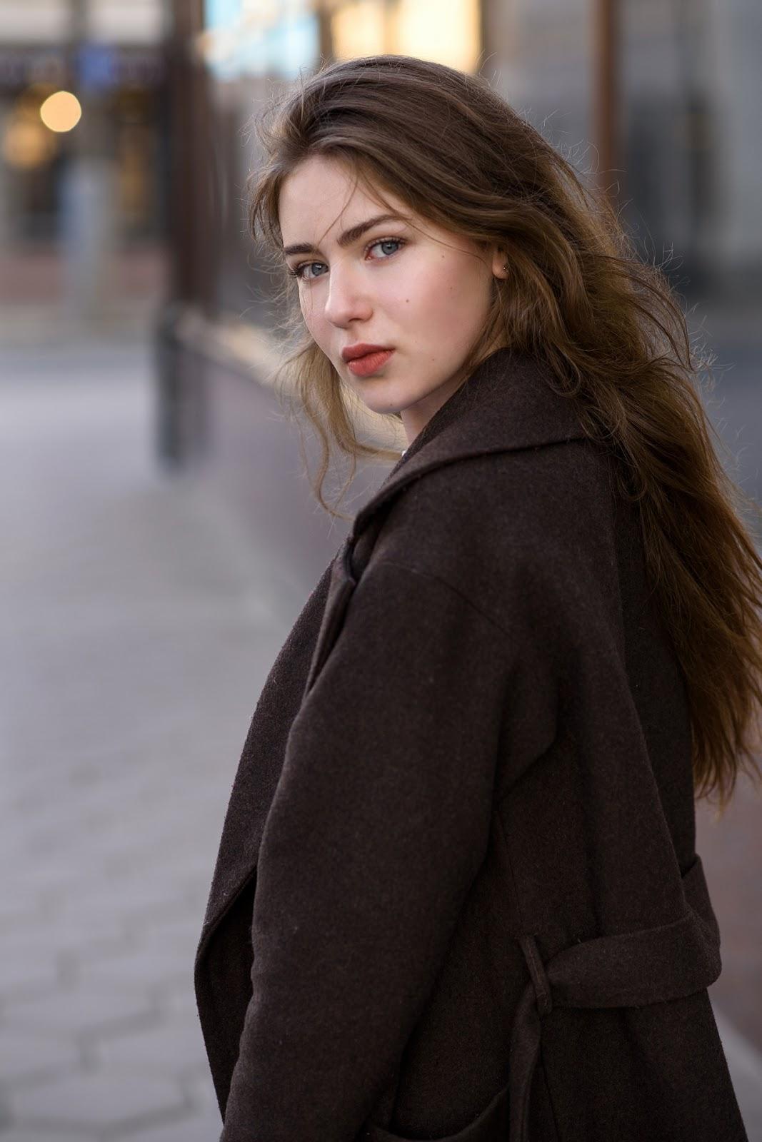 Алина. Городской портрет