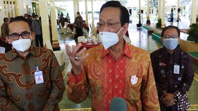 Sultan: Tak Ada Sanksi Bagi Warga Yogya yang Tolak Vaksin