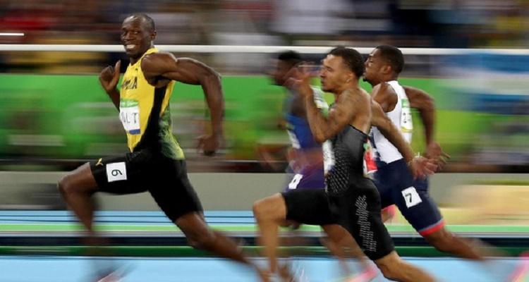 سر الصورة العجيبة للبطل الخارق يوسين بولت الأغرب في أولمبياد ريو 2016