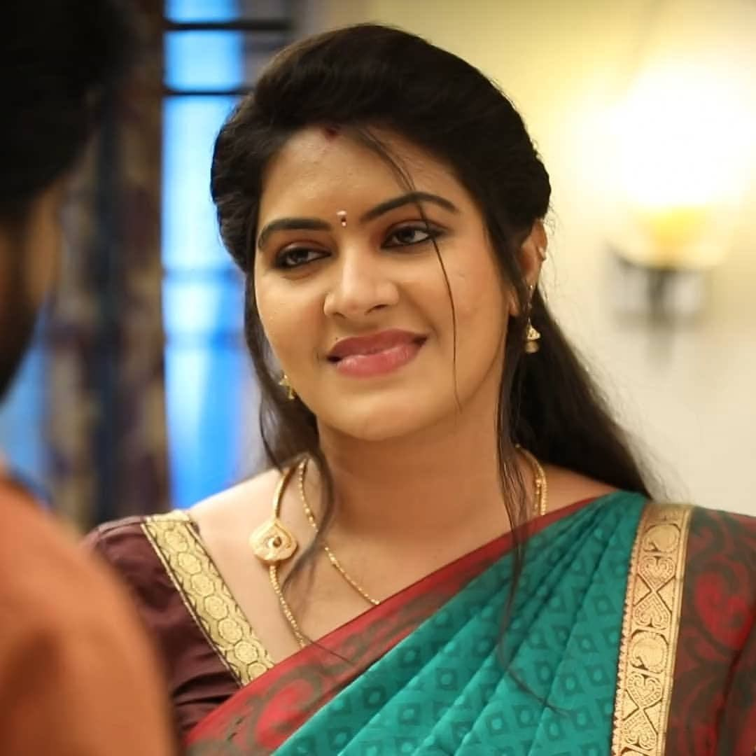 Rachitha mahalakshmi cute Expression, Hot TV Actress Tamil 2