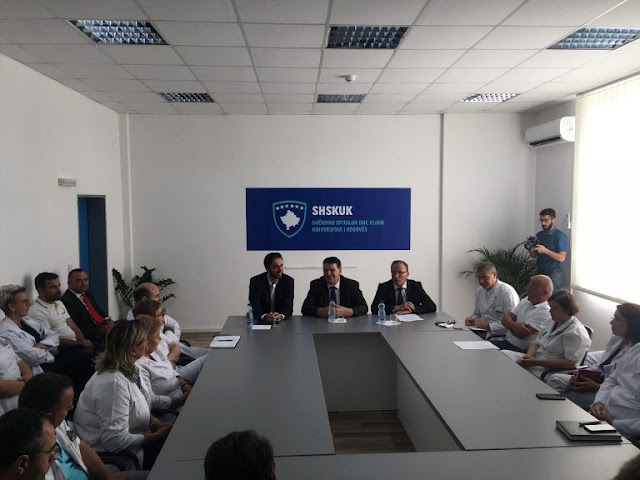 Ministrat Ismaili e Hamza sigurojnë mjekët dhe infermierët: Pagat do t'i merrni me rritje