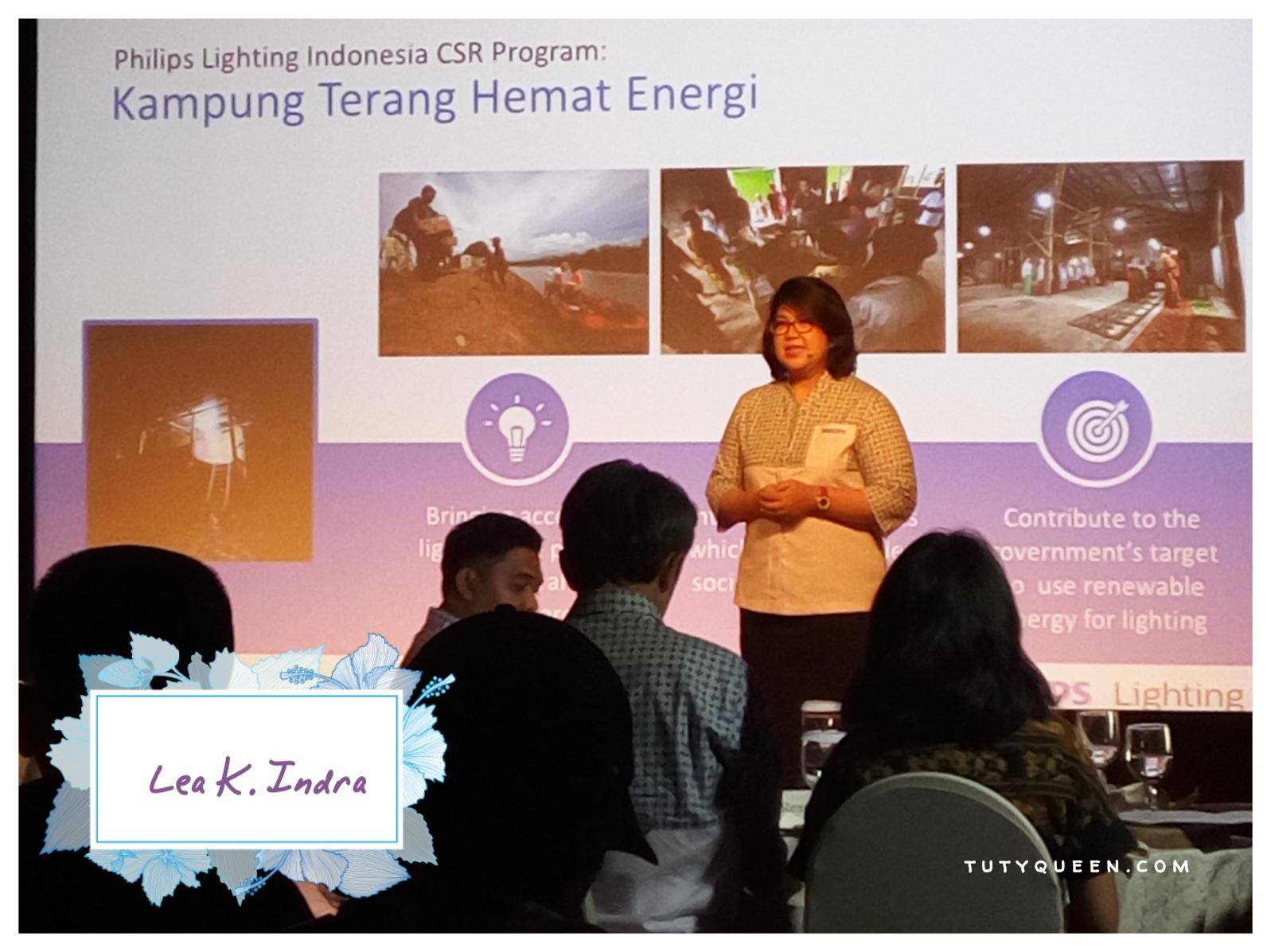Philips Luncurkan Program Kampung Terang Hemat Energi 2017 2018 Produk Ukm Bumn Tas Mukena Besar Lea K Indra Selaku Integrated Communications Manager Lighting Indonesia Menjelaskan Mengenai Csr