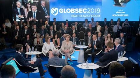 Szijjártó: nőtt a közép-európai térség érdekérvényesítő képessége