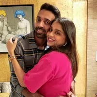 dhawal kulkarni with her wife