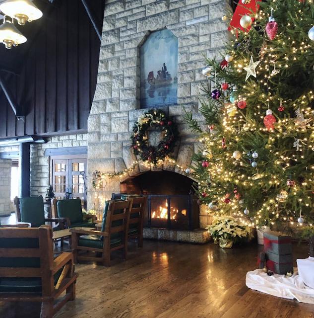 color photo of Christmas tree inside main room of Pere Marquette lodge Grafton Illinois