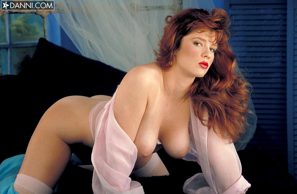 Nude pussy pics of angelina jolie