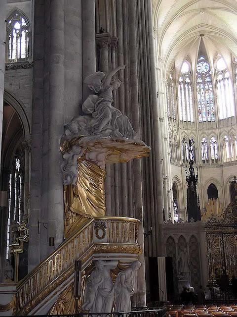 Amiens torna sensível a presença de Deus