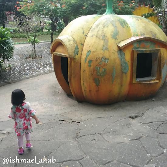 Pumpkin House in Rizal Park Children's Playground