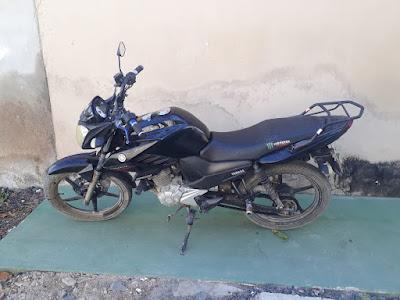 Em Pariconha/AL, moto com queixa de roubo/furto é encontrada abandonada em estrada vicinal