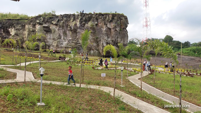 Taman Cisantana Cigugur kuningan