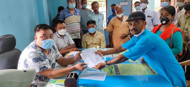 भाजपा युवा मोर्चा रानीगंज बिन्नाबाड़ी मण्डल द्वारा बिन्नाबाड़ी GP अधिकारी को आठ सूत्री मांगों को लेकर ज्ञापन।