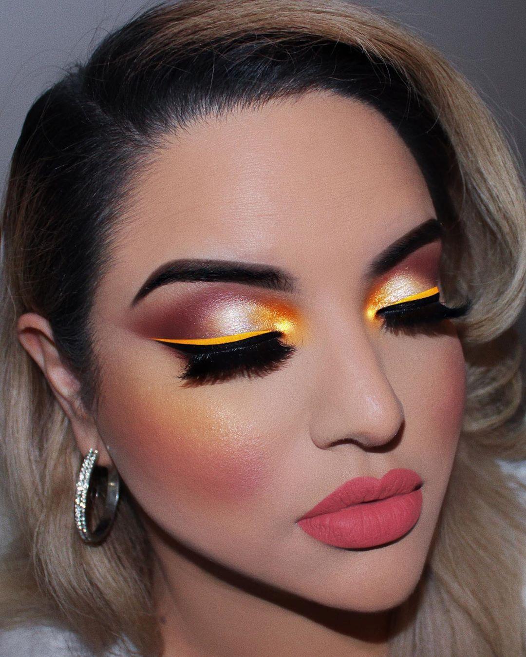 Maquiagem sombra colorida carnaval
