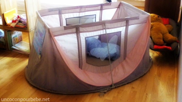 magic bed lit de voyage pop up pour b b. Black Bedroom Furniture Sets. Home Design Ideas