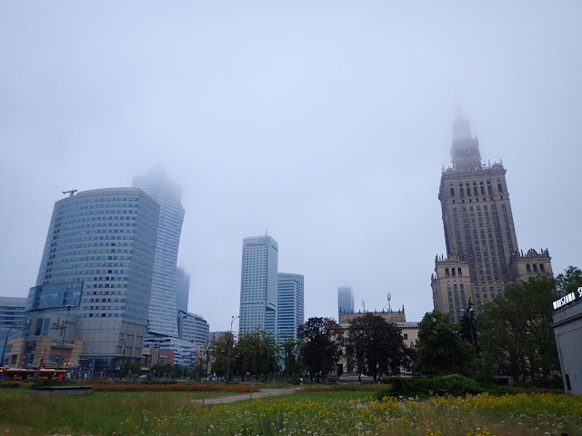 Okolice placu Defilad w Warszawie