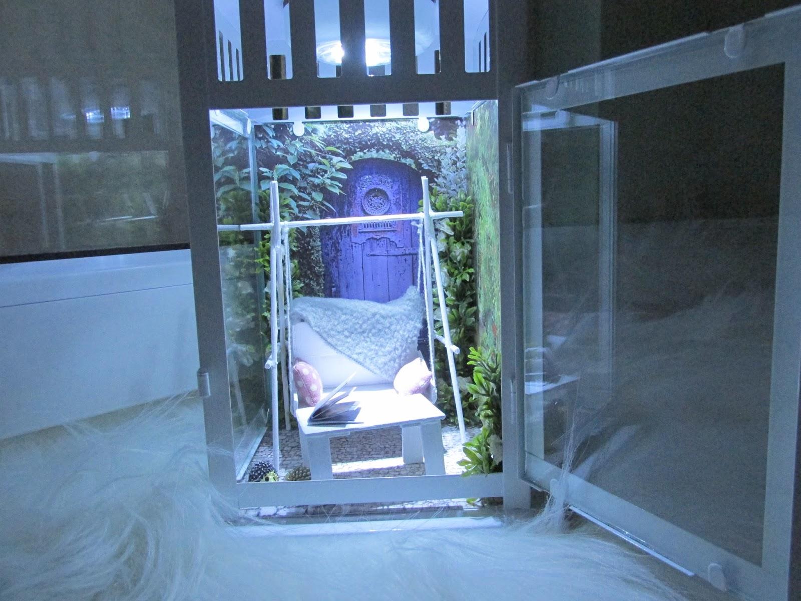 lampion z miniaturowym wnetrzem