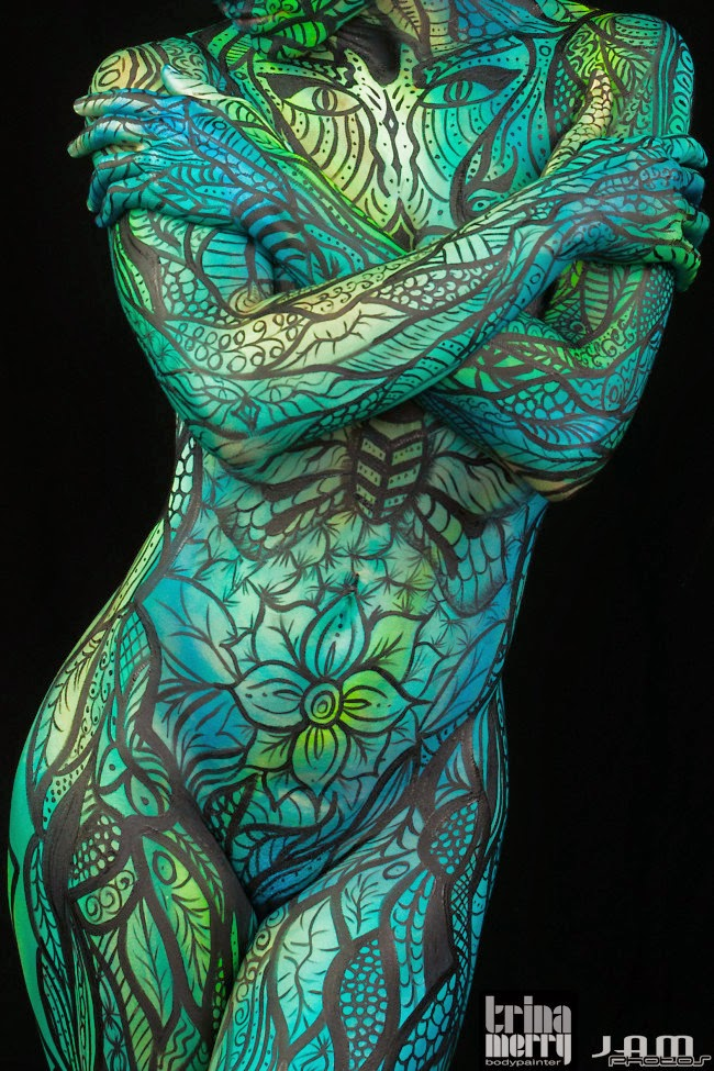 01-Trina-Merry-Body-Painting-Craig-Tracy-Erin-Bates-www-designstack-co