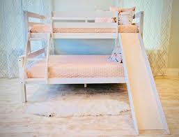 5 Desain Tempat Tidur Tingkat ini Inspiratif Banget, Lihat Yuk!