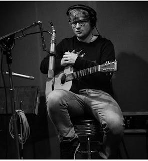 Ed Sheeran Lyrics - Two Blokes And A Double Bass