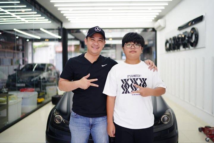 Đại gia Sài Gòn chi 300 triệu độ Mercedes C 200 lên full C 63 AMG tặng con trai 15 tuổi, thuê tài xế vì con chưa có bằng lái
