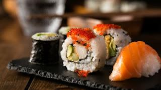 Buat Ibu Hamil, Makanan yang Seharusnya Tidak Dikonsumsi Selama Hamil Salah Satunya Sushi Sampai Kopi