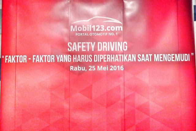 PENTINGNYA TATA TERTIB BERLALU LINTAS (SAFETY DRIVING)