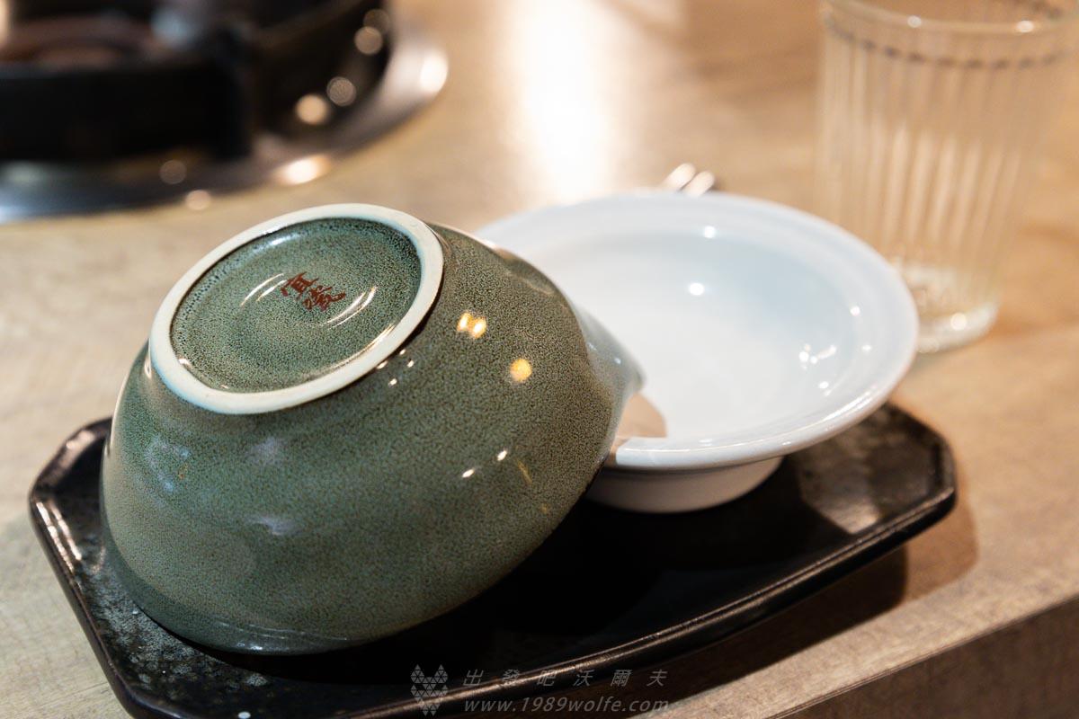 深紅汕頭鍋物