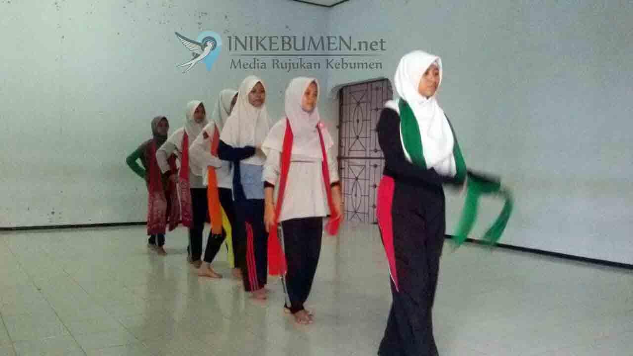 SMAN Prembun Wakili Kebumen pada Kemah Budaya di Sragen