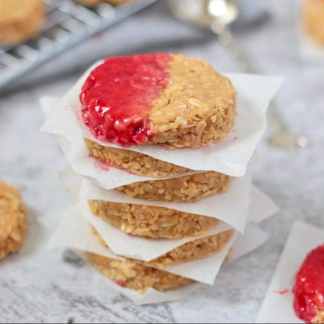 49 Gluten Free Christmas Cookie Recipes With Eight Ingredients or Less